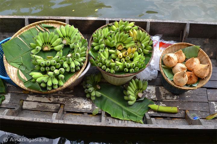 Фото рынка Клонг Лат Майом (Khlong Lat Mayom floating market), Бангкок. Лодки с фруктами.