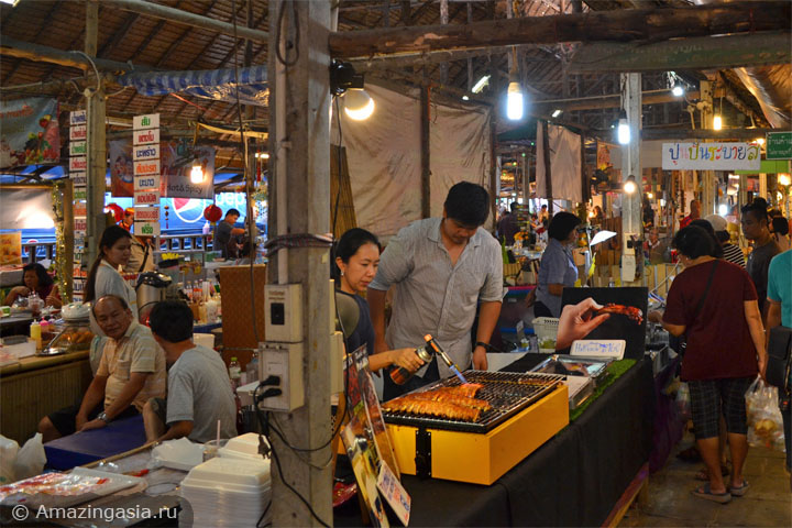 Фото рынка Клонг Лат Майом (Khlong Lat Mayom floating market), Бангкок. Внутри рынка Клонг Лат Майом.