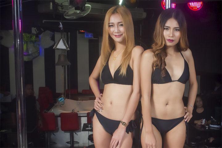 Ночная жизнь в Бангкоке и секс-туризм в Бангкоке. Go-go бары Нана Плаза.