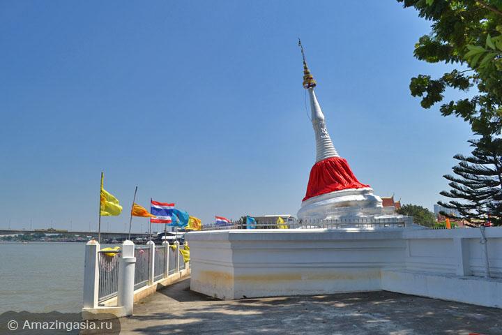 Что посмотреть в Нонтхабури. Храмы острова Ко Крет.