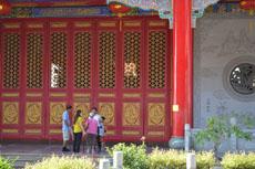 Фото храмов Нонтхабури