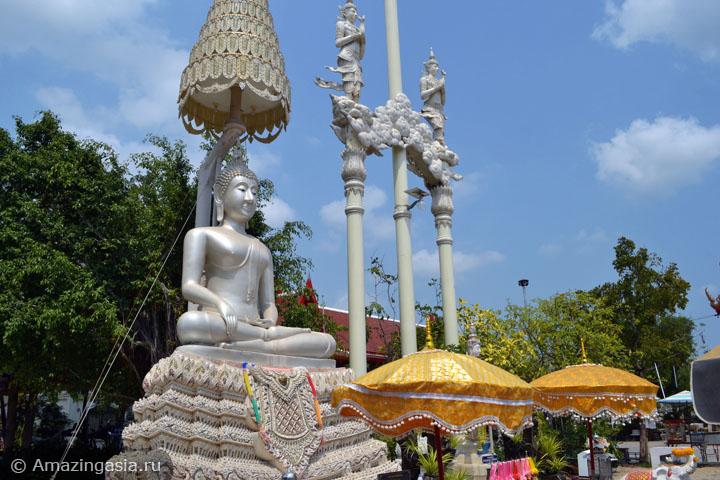 Достопримечательности Петчабури. Храм Ват Ват Кхой.