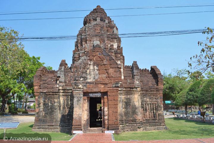 Фотографии города Петчабури. Храмы времён империи кхмеров.