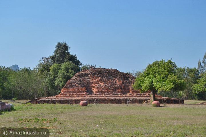 Фото храмов Петчабури. Развалины эпохи Дваравати.
