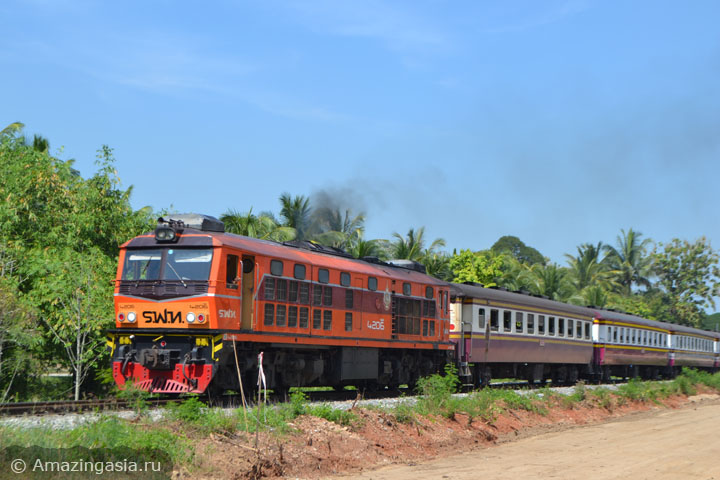 Фото поезда из Бангкока в город Прачуап Кхири Кхан