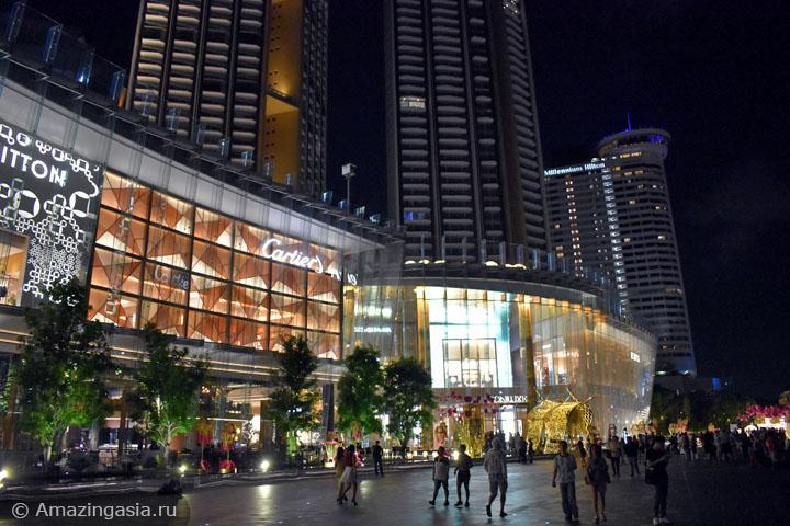Вечер в Бангкоке. Прокатиться по реке по дороге в ТЦ IconSiam.
