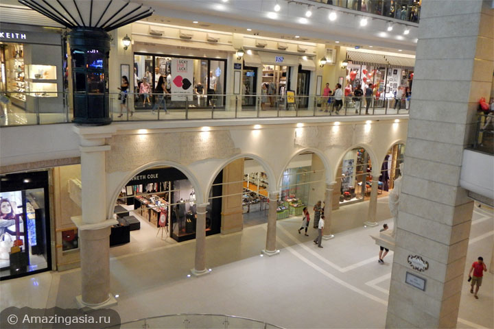 Торговые центры улицы Сукхумвит Роуд (Sukhumvit Road) в Бангкоке. ТЦ Terminal 21.