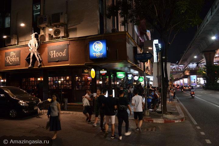Бары и рестораны улицы Сукхумвит Роуд (Sukhumvit Road) в Бангкоке