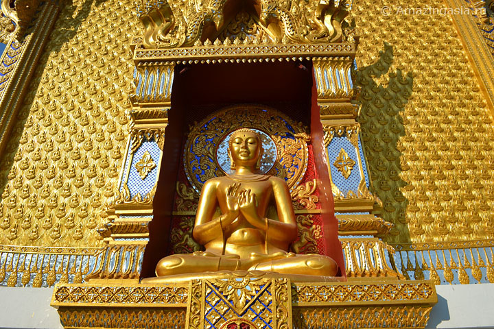 Temple The Anatomy of the Universe, Samut Prakan. Golden Bhudda.