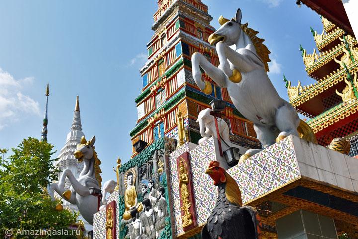 Храмы рядом с плавучими рынками Бангкока. Храм Ват Кхун Чан.