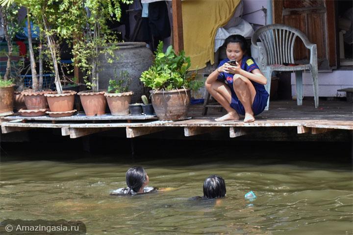 Фото деревни Баан Силапин (Baan Silapin) и рынка Банг Луанг (khlong Bang Luang floating market), Бангкок