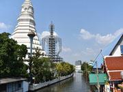 Храм Ват Пакнам на западе Бангкока