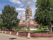 Храм Ват Махатат в 2 часах езды от Хуа Хина