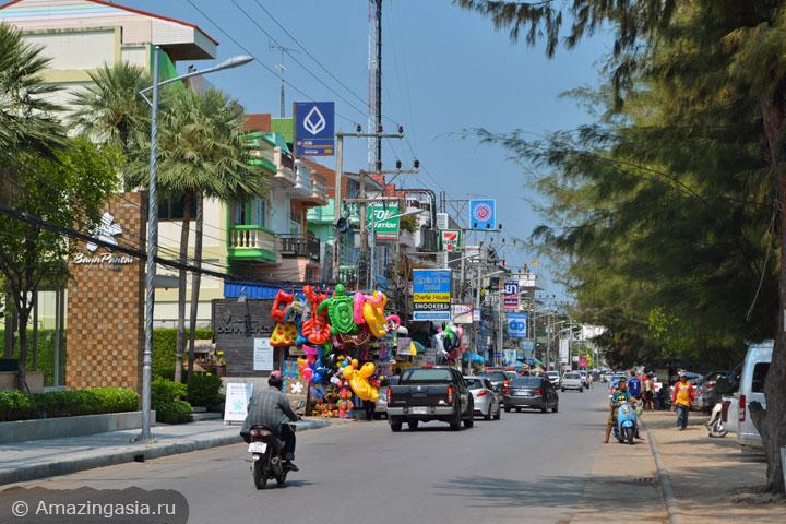 Фотографии пляжей Ча Ама (Cha Am), Бич Роуд, с лавками и ресторанами
