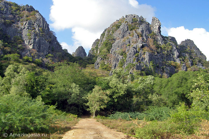 Скалы национального парка Сам Рой Йот