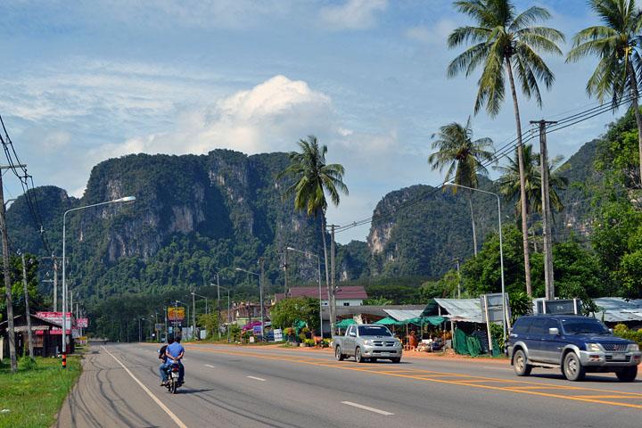 Фотографии Ао Нанга. Скалы окружающие Ао Нанг.