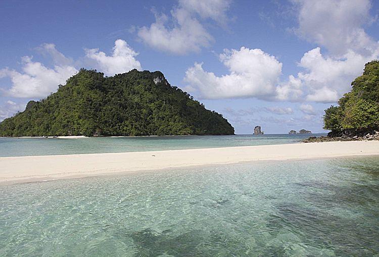 Острова Chicken Island и Koh Tub.