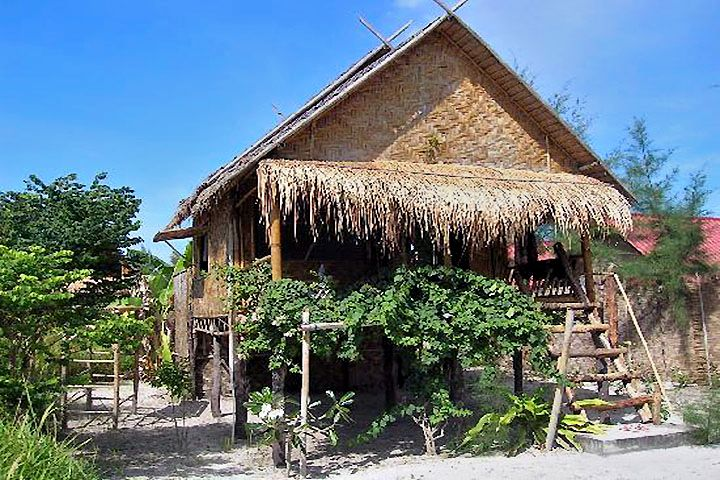 Отель Forra Dive Resort, пляж Санрайз (Sunrise Beach), остров Липе (Koh Lipe)